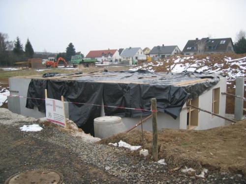 2005-03-05 Die Kellerwände stehen